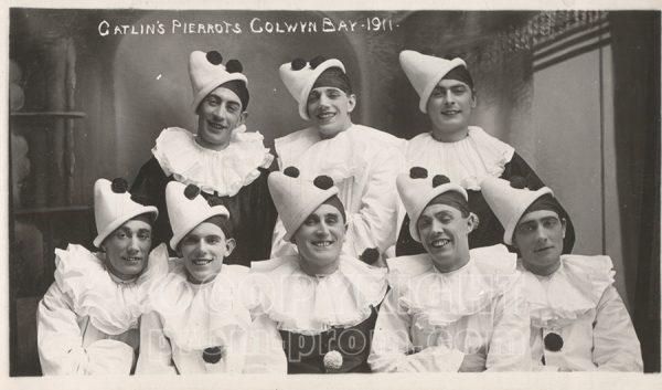 Catlin's Pierrots group-photo Colwyn Bay 1911