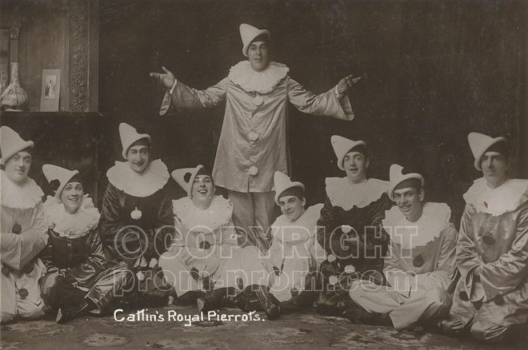 Catlin's Royal Pierrots Scarborough (Will-is-standing-centre) 1911