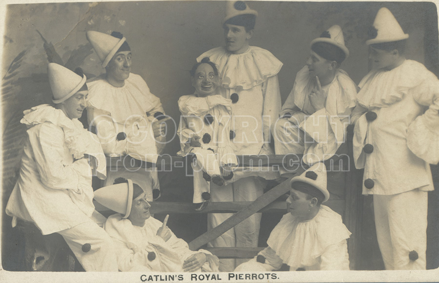 Catlin's Royal Pierrots with vent puppet