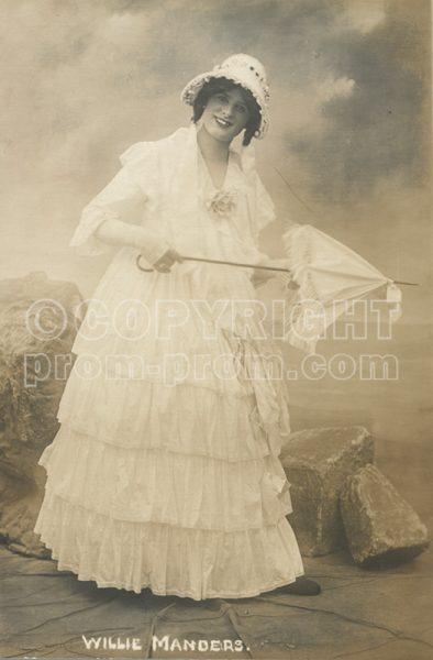 Willie Manders, 1912, white dress with umbrella