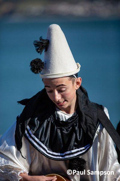 Pierrot-Weekend-copyright-PaulSampson-Jollies-Spike