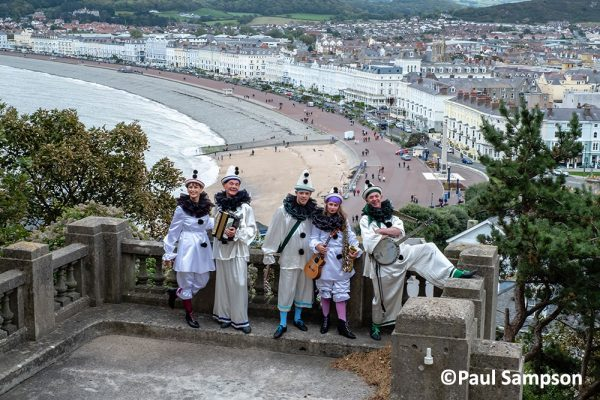 ierrot-Weekend-copyright-PaulSampson-The-New-Follies-and-Llandudno-Bay