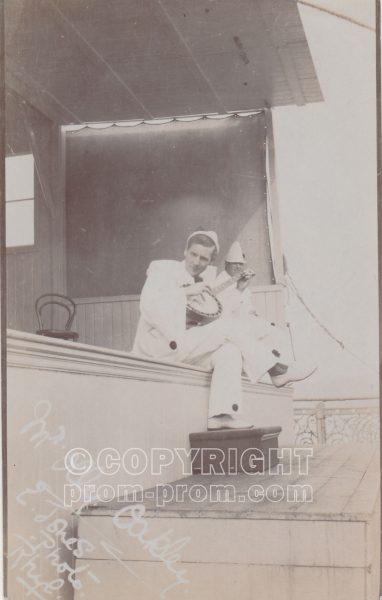 Olly Oakley, Adeler & Sutton's Pierrots, Rhyl