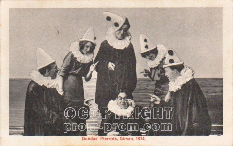 Dundas' Pierrots, Girvan. 1914