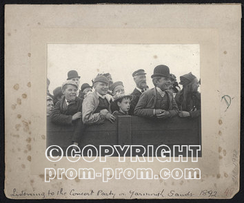 1895 Great Yarmouth audience for concert party