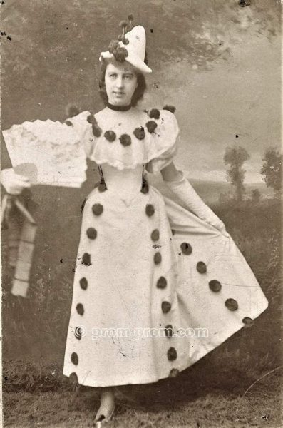Female pierrot Hampstead CDV