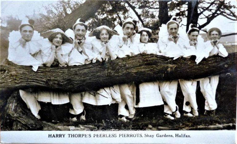 HARRY THORPE'S PEERLESS PIERROTS, SHAY GARDENS HALIFAX 1912 (REAL PHOTO)