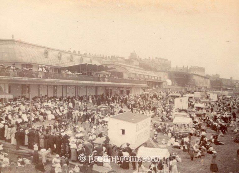 Kent Ramsgate Crowd on the Beach Ellisons Entertainers Old amateur Photo 1900