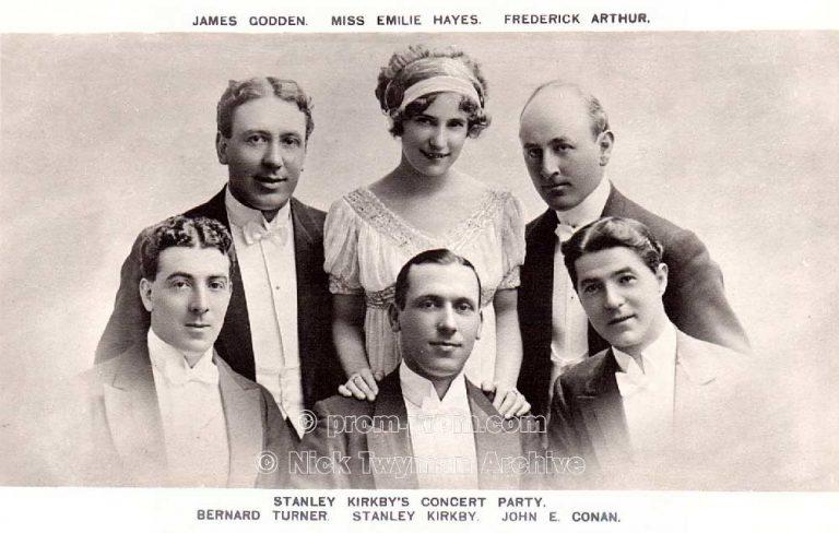 P_E_31_Gold_s_Margate_Pierrots_1905_(2)