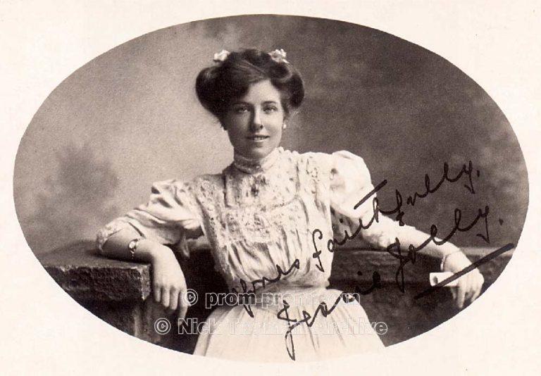 P_E_31_Gold_s_Margate_Pierrots_1905_(5)