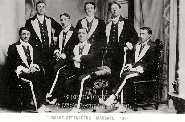 P_E_50_Gold's_Smart_Serenaders_1908_(4)