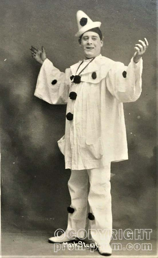 MARK STUART, PIERROT AT SILLOTH, 1909