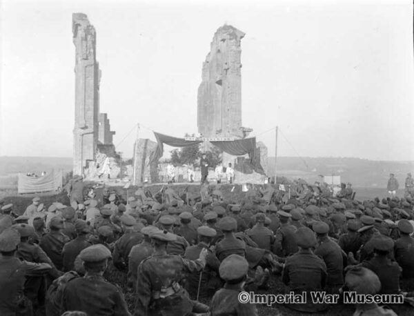 An open air performance in front of a large audience of troops by the Bohemians concert party at Trouville 16 August 1918. Q 11503 - IWM archives