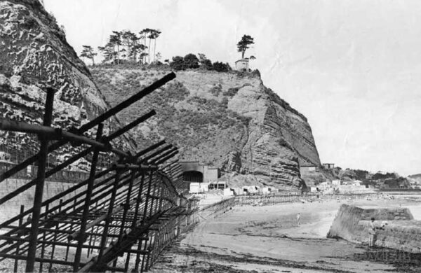 Dawlish sea defences in 2nd WW - from Remembering Teignmouth Area