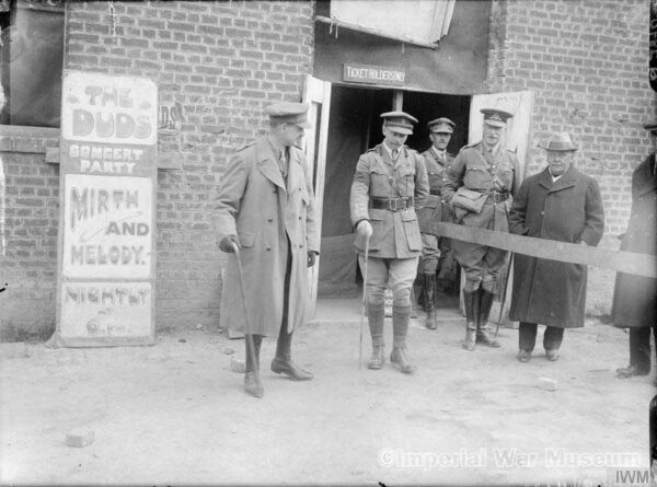 Horatio Bottomley visits The Duds Concert Party at Arras, 13th September 1917. - IWM archives