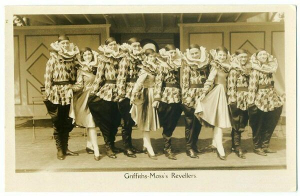 GRIFFITHS-MOSS REVELLERS Seaside Entertainers - Wales
