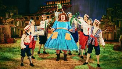 Dick-Whittington-opening-scene